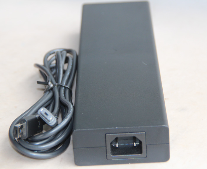 Chargeur Pour Sony ACDP-240E01